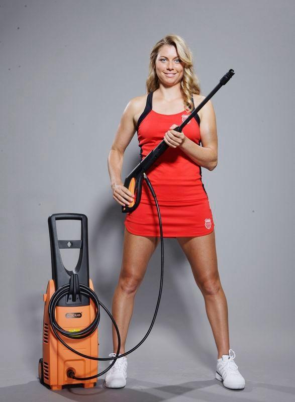 Электроинструмент + теннис = рост продаж