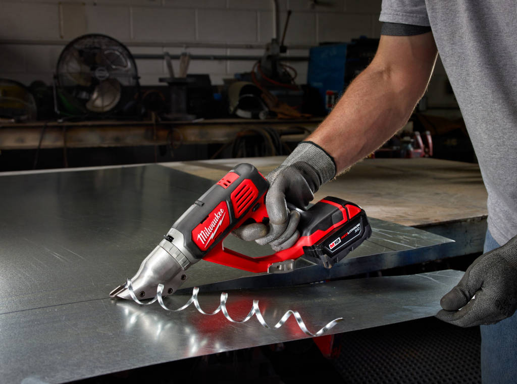 Электрические ножницы по металлу Milwaukee M18 Metal Shears