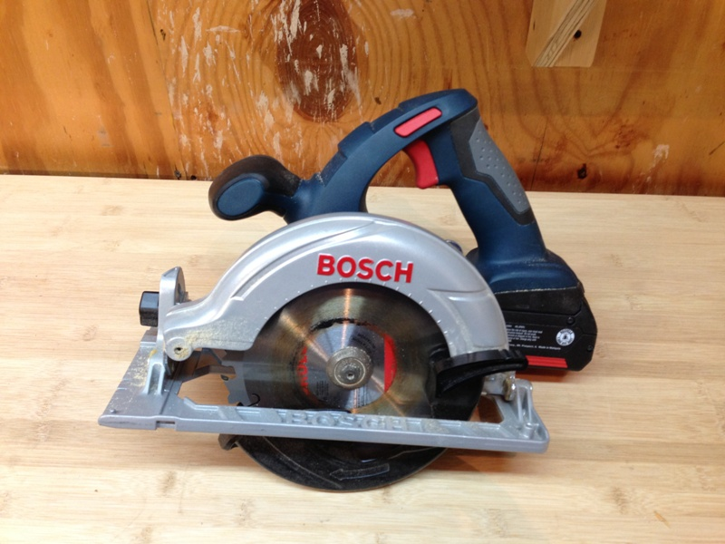 18-вольтная аккумуляторная дисковая пила Bosch CCS180