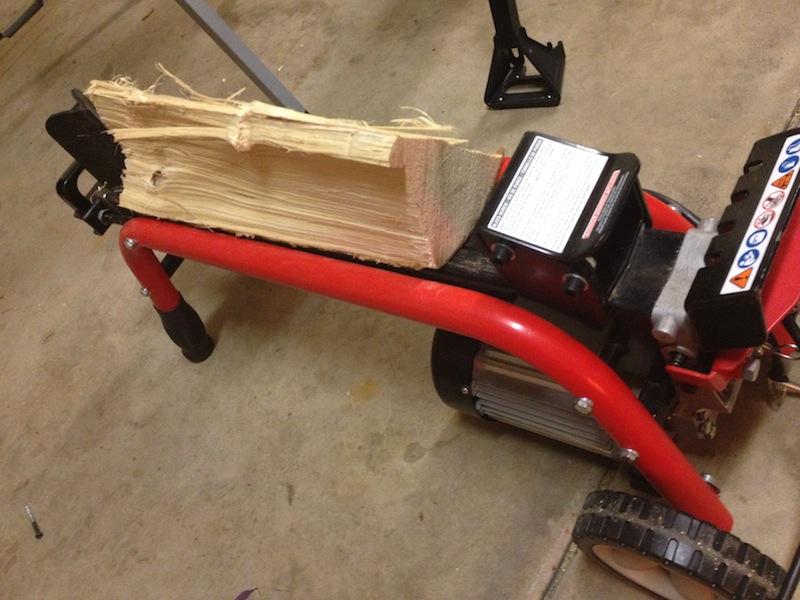 Электрический колун UT49102. Запасаемся дровами на зиму