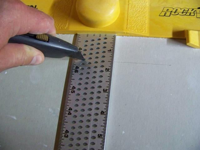 Устройство для разрезания гипсокартона Johnson Drywall Scoring Square