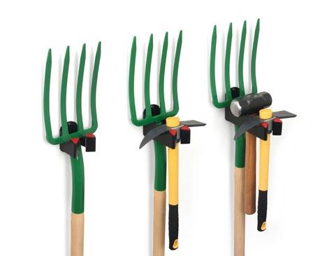 Вешалки для садового инструмента и инструментов с длиной рукоятью