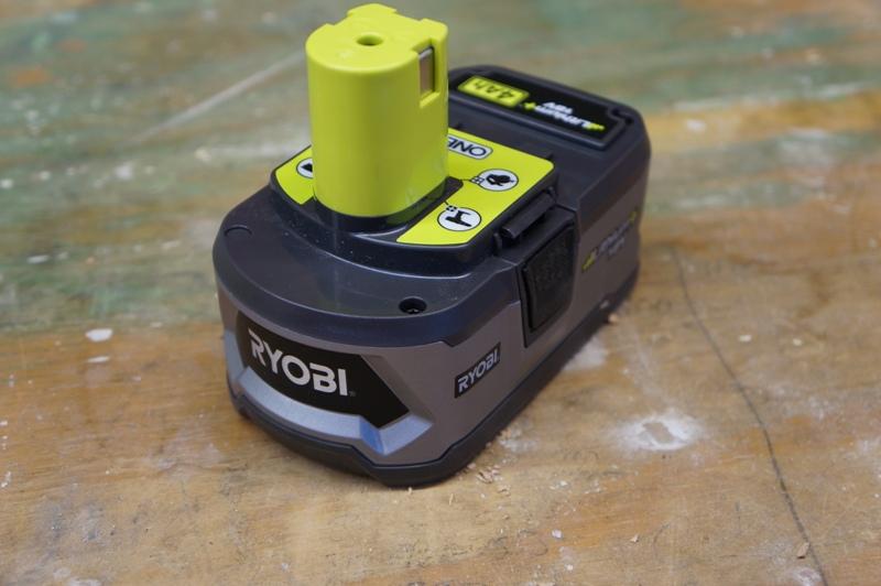 Портативный 18-вольтный вентилятор Ryobi P3310