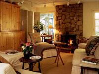 Символ домашнего тепла и уюта не должен превращаться в средство обогрева загородного дома