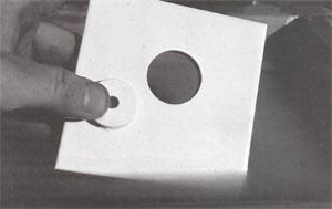 готовое отверстие в керамической плитке