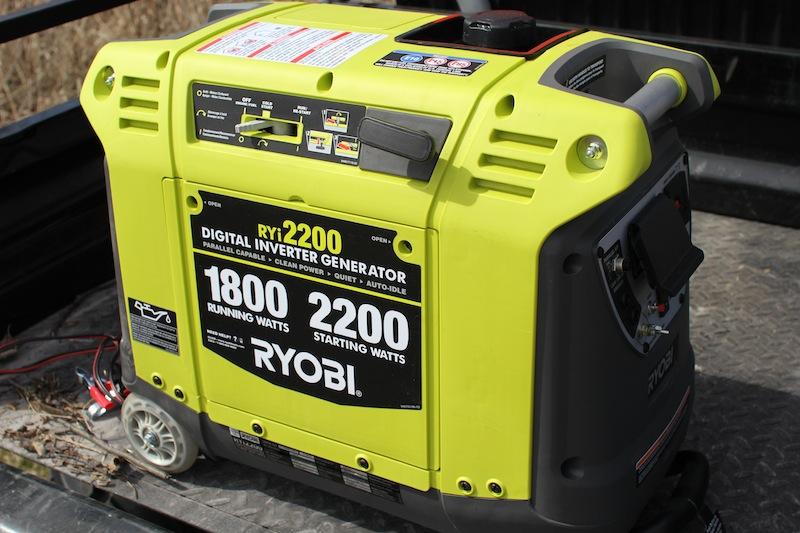 Бензиновый инверторный генератор  Ryobi RYI2200